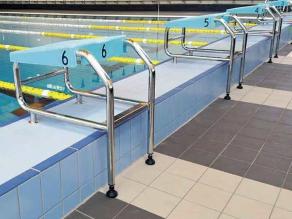 Starting-platform-aqueas-aq-sp03-poolside